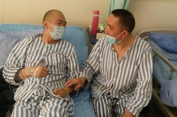 捐肾救子的村主任实现心愿 成功捐肾后出院回家休养