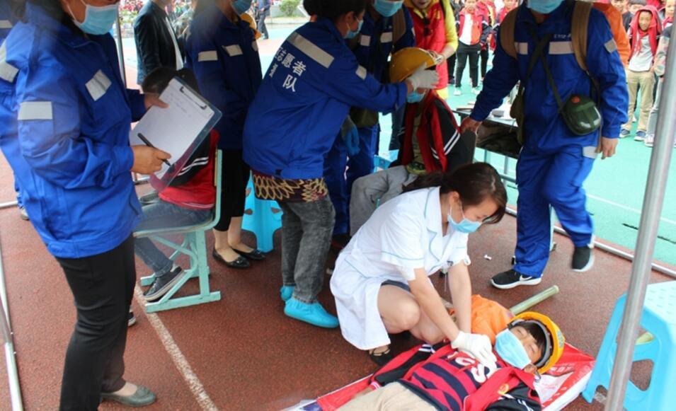 石棉县开展专题安全教育活动
