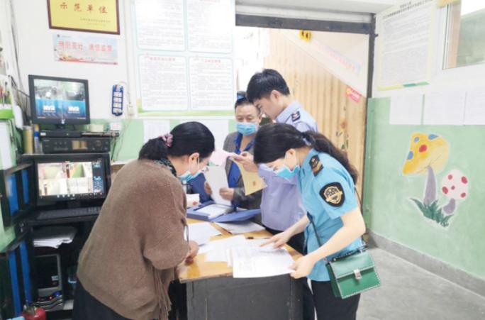 织牢校园食品安全防护网