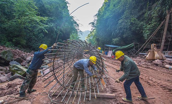 雅上线道路升级改造工程有序推进
